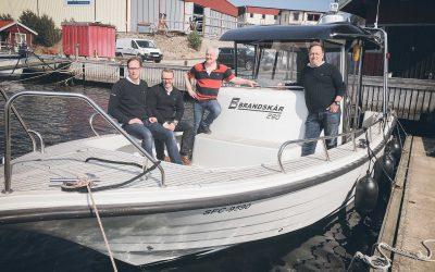 Brandskärbåtar etablerar sig på Marstrand